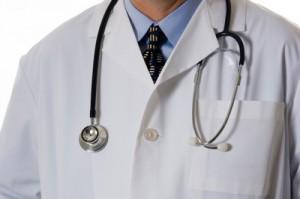 lekarz 300x199 Skarżmy lekarzy